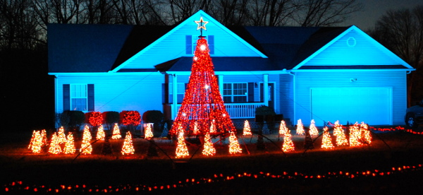 this year we have 35295 lights synchronized to 368 channels of computer controlled animation the show will be running from december 1 thru december 31 - Computerized Christmas Lights